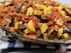 Pečený lilek s brambory a paprikami - eKucharka.cz Pork, Ethnic Recipes, Sweet, Red Peppers, Kale Stir Fry, Candy, Pork Chops