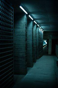 """Dono Heneman's """"Le Couloir"""""""