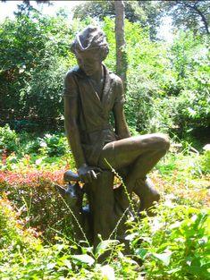 Peter Pan Statue  -   Book: Peter Pan  -  Location: Carl Schurz Park, Yorkville, NY  -  Sculptor: Charles Andrew Hafner