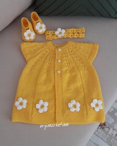 Top Rated 75 Baby Cardigan Vest Beanie D Beanie - Diy Crafts - Hadido - Diy Crafts Knitted Baby Outfits, Crochet Baby Cardigan, Knit Baby Sweaters, Knitted Baby Clothes, Girls Sweaters, Crochet Clothes, Dress Patterns Uk, Baby Hat Patterns, Knit Patterns