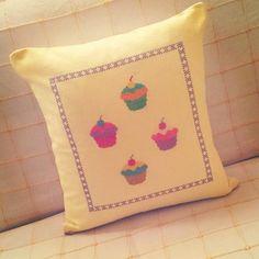Cupcake'li Yastık Kırlenti