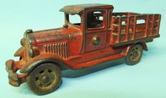 ANTIQUE 1920s ARCADE FORD MODEL T STAKE TRUCK CAST IRON 7″ FARM TOY | Toys of Times Past