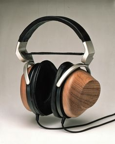 Sony MDR-R10: The Unicorn of headphones.