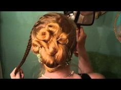 Grecian Up-Do. Looks good for some Edwardian styles too.