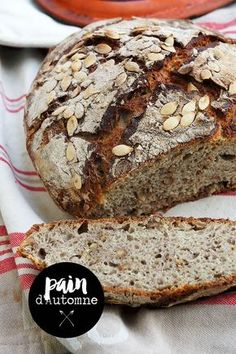 pain au sarrasin et noix brot brot backen brot backen glutenfrei brot rezept Baguette, Back Pain Remedies, Sourdough Bread, Bread Baking, Tapas, Bakery, Good Food, Food And Drink, Favorite Recipes