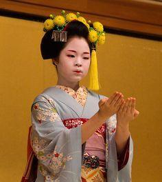 Kiku kanzashi