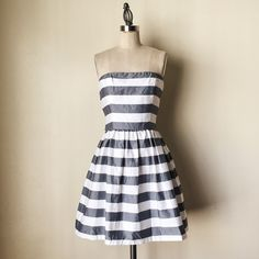 """SAKS 5th AVE 