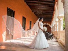 Tiendas y Diseñadoras de vestidos de novia colombianas: ¡Te encantarán!
