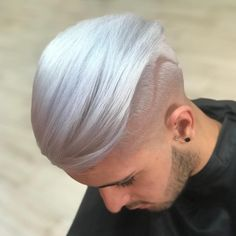 48 Awesome Hair Color Ideas for Men in 2018 - Men's Hairstyles Gorgeous Blonde, Cool Hair Color, Haircuts, Cool Hairstyles, Deco, Lady, Hair Styles, Hair Plait Styles, Fancy Hairstyles