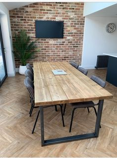 Industrial Style Dining Table, Simple Dining Table, Open Plan Kitchen Dining Living, Diy Dining Room Table, Open Plan Kitchen Diner, Wooden Dining Tables, Dining Room Design, A Table, Modern Rustic Dining Table