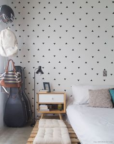 Our triangle wall decals are a simple and effortless way to ensure your walls are looking spectacular every single day! Our set of mini triangles ca
