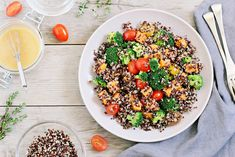 Is Quinoa Paleo and Is It Healthy? (+ What Is Quinoa Exactly?) For those new to Paleo, or for those who have dabbled in Paleo for quite some time, quinoa can be a particularly confusing food item in. High Protein Recipes, Protein Foods, Diet Recipes, Vegetarian Recipes, Healthy Recipes, Healthy Meals, What Is Quinoa, How To Cook Quinoa, Quinoa Paleo