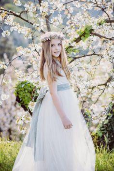 Naia con vestido de NOVELLE Comunión. Foto Xabi Vide Fotografía