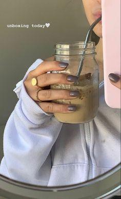 Aesthetic Coffee, Beige Aesthetic, Aesthetic Food, Aesthetic Girl, Creative Instagram Stories, Instagram Story Ideas, Ig Story, Insta Story, Feed Insta