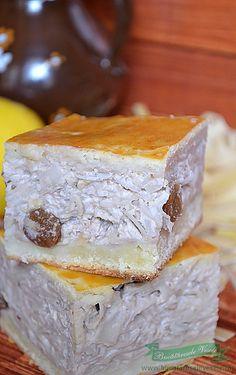 Vargabeles o reteta traditionala ce se prepara in mai toate casele din Ardeal. Acest Vargabeles este de fapt o budinca de taietei cu branza, aromata cu vanilie, lamaie, rom, nuca, stafide…. Simplu de preparat, cu ingrediente nepretenţioase, acest desert este foarte apreciat la noi in familie. Azi va prezint varianta preparata de bunica mea. Cu No Cook Desserts, Sweets Recipes, Cooking Recipes, Romanian Desserts, Romanian Food, Cake Cookies, Cupcake Cakes, I Foods, Pasta