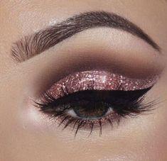 Rose gold eye makeup look #goldcutcrease
