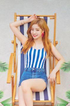Twice Dahyun Summer Nights Nayeon, Kpop Girl Groups, Korean Girl Groups, Kpop Girls, Twice Chaeyoung, Mbti Type, Twice Photoshoot, Warner Music, Twice Dahyun