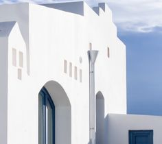 Dressed all in white. Magical light of #Puglia. www.modernapulianstyle.com