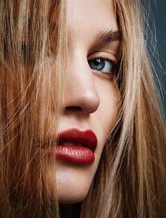 Sonya Gorelova : Glamour France November 2015