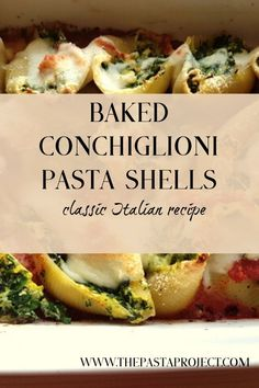 Baked pasta shells with spinach and ricotta is a classic Italian Sunday lunch dish. You can also serve these conchiglioni as finger food if you use less sauce. Italian Pasta Recipes, Baked Pasta Recipes, Best Italian Recipes, Baked Food, Noodle Recipes, Italian Dishes, Cheese Recipes, Recipe For Mom, Recipe Share