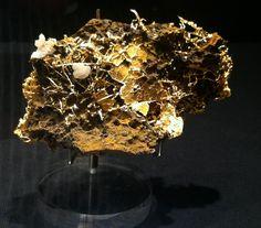 Gold und Kristall