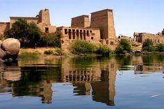 El templo de Filae,Ofertas de viajes en Cruceros a Luxor y Asuán http://www.espanol.maydoumtravel.com/Cruceros-Nilo-En-Luxor-y-Asu%C3%A1n/9/1/30