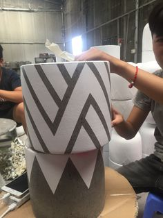 Painted cement pots will bring brightness , beauty and aesthetics to the decorat. Painted Plant Pots, Painted Flower Pots, Cement Flower Pots, Painting Cement, Pottery Painting, Cement Planters, Concrete Pots, House Plants Decor, Plant Decor
