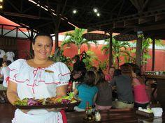 Nuestra gente / Our restaurant