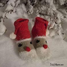 Hyvää joulua 🎅 Happy holidays 🎄 #tonttusukat #joulusukat #joulu #christmassocks #villasukat #voihanvillasukka #knit #knitting #stricken…