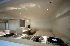 ベッドルーム事例:DJブースから寝室(東大島 個人邸 リノベーション)