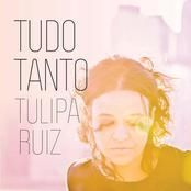 """Estou ouvindo """"Tulipa Ruiz"""" na OiFM! Aperte o play e escute você também: http://oifm.oi.com.br/site/ dois cafés"""