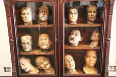 Murder, anatomy, death masks, and erotic beauties in wax—a Victorian amusement comes stateside.