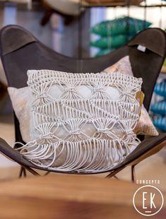 """Almohadón macramé. """"Colección #SS18"""" - Concepto EK Butterfly Chair, Throw Pillows, Furniture, Home Decor, Concept, Spaces, Toss Pillows, Decoration Home, Cushions"""