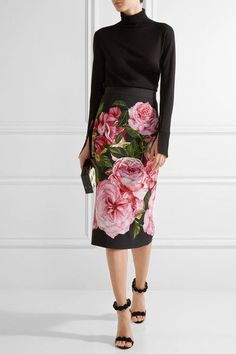 Multicolored crepe Concealed hook and zip fastening at back viscose; lining: silk, elastane Dry clean Made in Italy Modest Fashion, Skirt Fashion, Love Fashion, Style Fashion, Vintage Fashion, Floral Pencil Skirt, Fashion Week 2018, Cute Skirts, Everyday Outfits