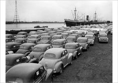 500 Morris Minor cars at London docks waiting for export in 1950 1 Million Dollars, Morris Minor, Vintage Photography, Wonders Of The World, Vintage Cars, Britain, Classic Cars, Poster Prints, Thing 1