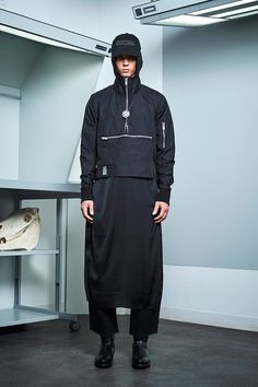 Siki Im presented its Fall/Winter 2017 collection during New York Fashion Week Men's. Unisex Fashion, Urban Fashion, Mens Fashion, Fashion Show, Fashion Outfits, Fashion Design, Fashion Styles, Sustainable Looks, Cool Mustaches
