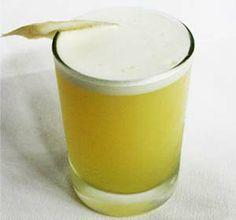 Lima Sour: Cáscara de lima macerada en pisco quebranta, jarabe de goma, clara de huevo