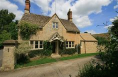 Looks nice but asks for sat changeover 2 bedroom cottage in Cirencester to rent from pw. With phone, TV and DVD. Trip Advisor, Cabin, Mansions, Architecture, House Styles, Places, Tv, Bedroom, Telephone