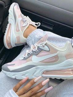 Cute Nike Shoes, Cute Sneakers, Nike Air Shoes, Shoes Sneakers, Outfit With Nike Shoes, Nike Air Jordans, Girls Sneakers, Adidas Shoes, Jordan Shoes Girls