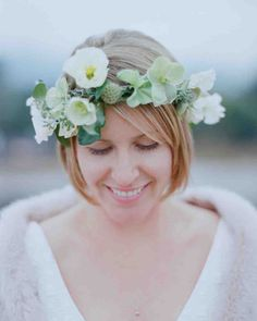 For this rainy California affair, fashioned a floral crown for the bride's short hair using white Icelandic poppies, passion vines, and eucalyptus. Messy Bridal Hair, Short Wedding Hair, Wedding Hair Flowers, Flowers In Hair, Bridal Hairdo, Green Flowers, Flower Headband Hairstyles, Wedding Hairstyles With Crown, Boho Headband