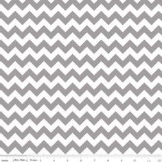 Riley Blake Designs - Knit Basics - Small Chevron Knit in Gray