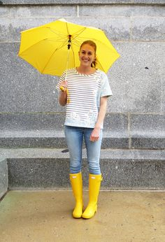 Hunter Boots Outfit, Hunter Wellies, Casual Winter Outfits, Spring Outfits, Outfit Summer, Outfit Winter, Rainy Day Fashion, Autumn Fashion, Yellow Rain Boots