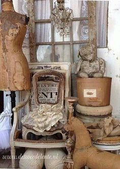 Natural antique colors....nice.