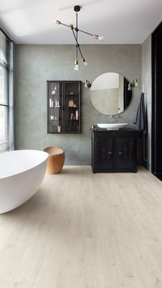 Authentic structures, realistic bevels and elegant designs… real wood, right? Or is it Perspective Nature laminate flooring, the most refined laminate floor ever? Small House Interior Design, Dream House Interior, Bathroom Interior Design, House Design, Beautiful Bathrooms, Modern Bathroom, Dream Rooms, Fashion Room, Bathroom Flooring