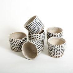 Polka dot cups-beakers, made by Polli Pots, available at eeli.dk, #pollipots @pollipots #cups #beakers #mugs #polkadot