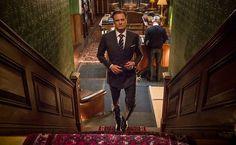 """Cena da ação """"Kingsman - Serviço Secreto"""", com Colin Firth, Taron Egerton e Samuel L. Jackson"""