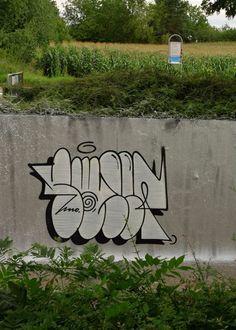 Graffiti Writing, Graffiti Tagging, Graffiti Alphabet, Street Art Graffiti, Chicano Lettering, Graffiti Lettering, Spray Can Art, Graffiti Styles, Masks Art
