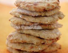 Uunituoreet perunarieskat maistuvat kaikille. Ohjeella valmistat 10 suurta tai 18 pientä rieskaa. Bread Recipes, Cooking Recipes, Formal Dinner, Deli, Biscuits, Muffins, Sandwiches, Bakery, Yummy Food