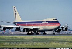 Boeing 747-143 aircraft picture