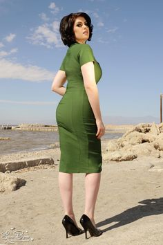 Pinup Couture Veronica Dress in Green with Black Heart